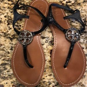 Tory burch black patent stone logo size 9 sandals